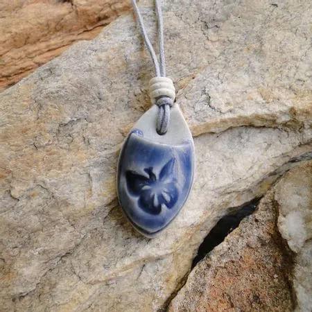 colar-aromatizador-pessoal-borboleta-azul